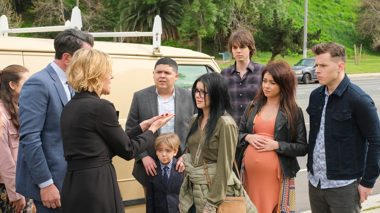 Modern Family Episode: Commencement